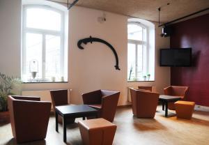 A restaurant or other place to eat at Jugendherberge Duisburg Landschaftspark