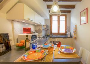 Una cocina o zona de cocina en Sitornino Apartment