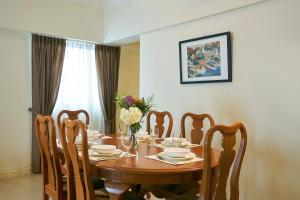 A restaurant or other place to eat at Village Residence Hougang by Far East Hospitality