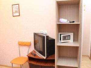 Телевизор и/или развлекательный центр в PiterFlat - Комнаты на Садовой 29