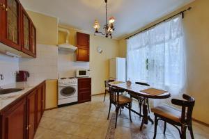 Кухня или мини-кухня в Квартира на острове