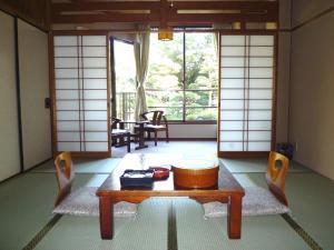 A seating area at Yanagawa Hakuryuso