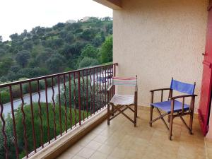 A balcony or terrace at Apartment Haut des Issambres-12