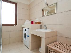 A bathroom at Holiday Home Balice