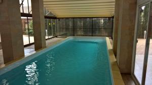 Бассейн в Отель Кипарис или поблизости