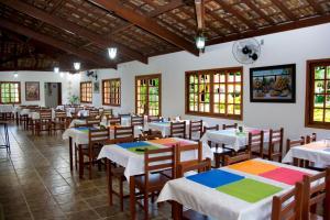 Um restaurante ou outro lugar para comer em Hotel Fazenda Monte Sião