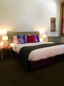 Postelja oz. postelje v sobi nastanitve Healesville Hotel