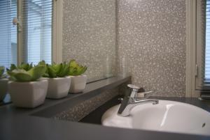 A bathroom at Appartement Cosy et Très Parisien