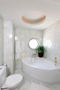 Un baño de Athens Mirabello