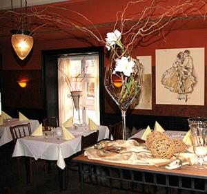 A restaurant or other place to eat at Hotel Goldener Anker