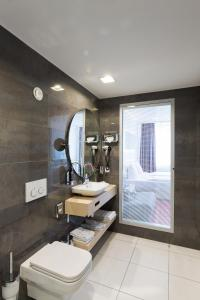 A bathroom at Hotel Bayer's