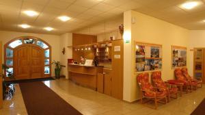 The lobby or reception area at Hotel Galik