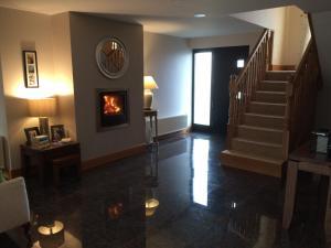 The lobby or reception area at Lough Eske Lodge B&B