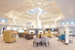 A restaurant or other place to eat at Coldra Court Hotel by Celtic Manor