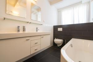Een badkamer bij Keizers BnB