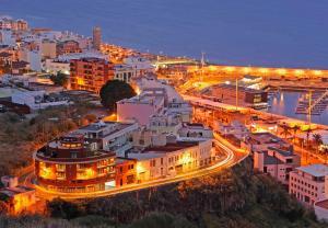 Een luchtfoto van Aparthotel El Galeón