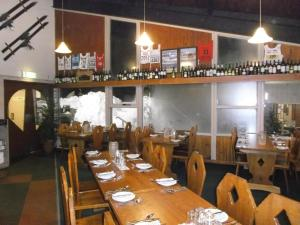 A restaurant or other place to eat at Sundeck Hotel
