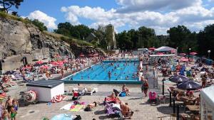Utsikt över poolen vid Vanadis Hotell & Bad eller i närheten