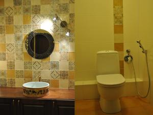 A bathroom at Usadba Kruglovyh