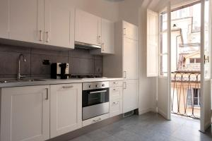 A kitchen or kitchenette at NTB Roma