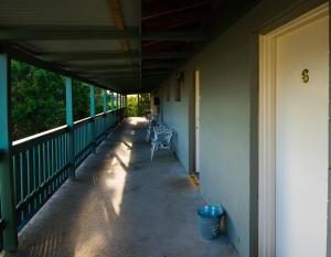 A balcony or terrace at Settlers Inn