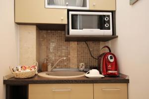 A kitchen or kitchenette at Studio Old Town