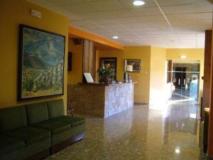 El vestíbulo o zona de recepción de Hotel Río Piscina