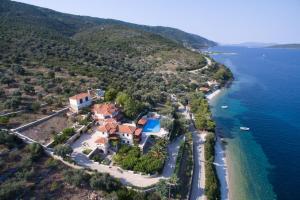 Άποψη από ψηλά του Alonissos Muses Villas