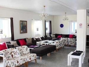A seating area at Nordkapp Vandrerhjem Hostel