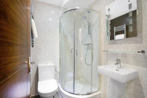Un baño de Queens Park Hotel