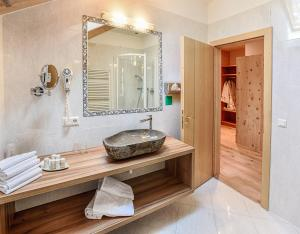 A bathroom at Seehotel Sparer