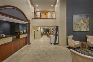 The lobby or reception area at SummerPlace Inn