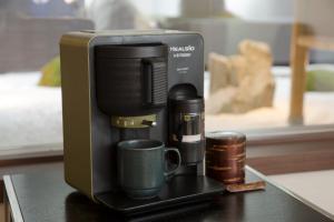 Set per la preparazione di tè e caffè presso Hotel Keihan Kyoto Grande