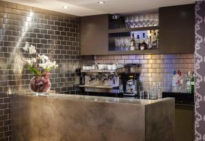 A kitchen or kitchenette at The Hide London