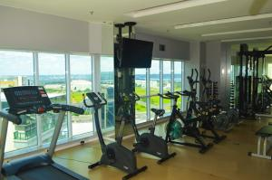 The fitness centre and/or fitness facilities at Flat Brasília - Setor Hoteleiro Norte