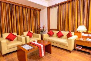 A seating area at Octave Suites - Residency Rd