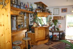 Lounge oder Bar in der Unterkunft Hotel-Gasthof-Dörfler Garni