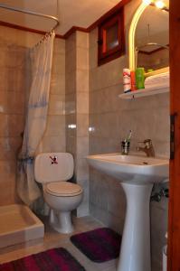 Ein Badezimmer in der Unterkunft Villa Flouri