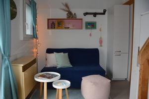 Ein Sitzbereich in der Unterkunft TCS Camping Solothurn