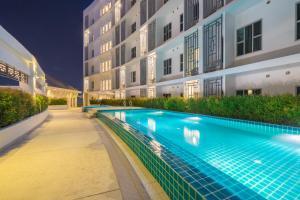 สระว่ายน้ำที่อยู่ใกล้ ๆ หรือใน โรงแรม วาปา