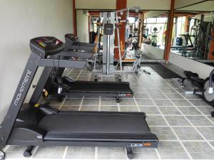 Gimnasio o instalaciones de fitness de Hotel Arenal Springs Resort & Spa