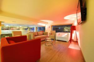 El vestíbulo o zona de recepción de Hotel Spa Norat O Grove 3* Superior