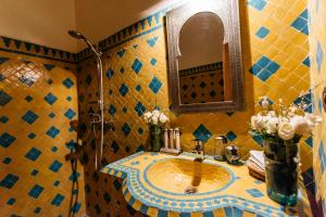 A restaurant or other place to eat at Riad Be Marrakech