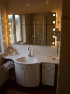 A bathroom at Ferienappartements Brandner