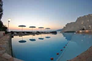 The swimming pool at or close to Grand Hotel San Pietro