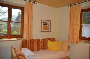 Ein Sitzbereich in der Unterkunft Ferienwohnung Grössenberg