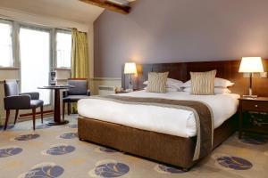 Кровать или кровати в номере Quy Mill Hotel & Spa, Cambridge, BW Premier Collection