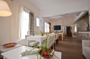 Εστιατόριο ή άλλο μέρος για φαγητό στο Ξενοδοχείο Μαντώ