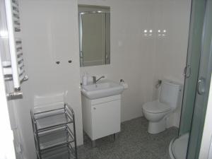 A bathroom at Prima Apartments