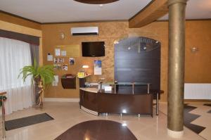 The lobby or reception area at Hotel Serpanok